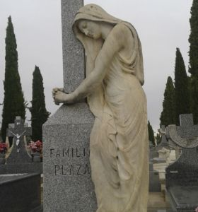 c_280_300_16777215_00_images_fotos_colaboraciones_cementerio6.jpg
