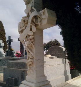 c_280_300_16777215_00_images_fotos_colaboraciones_cementerio8.jpg