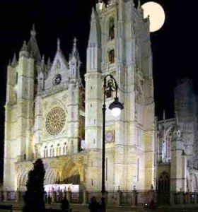 c_280_300_16777215_00_images_fotos_viajes_catedral_leon.jpg