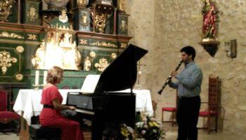 c_350_200_16777215_00_images_fotos_musica_conciertoakra.JPG